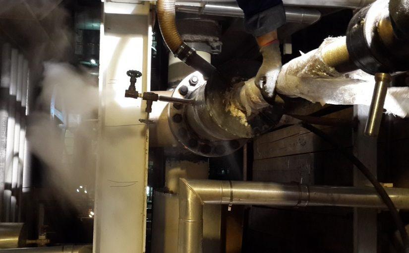 نشت گیری و یا Leak Repair چیست؟ نشت گیری نشت گیری و یا Leak Repair چیست؟ hottap operation 825x510